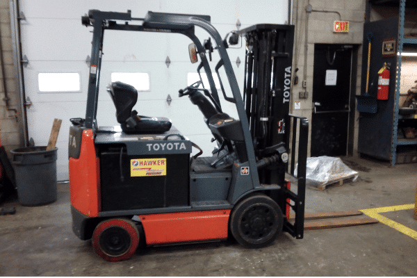 Toyota 8FBCU25 Electric Forklift